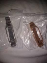 Duas pulseiras para smartband fit E da Samsung
