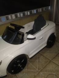 Audi A3 com controle remoto