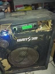 Caixa wattsom com rádio amplificador