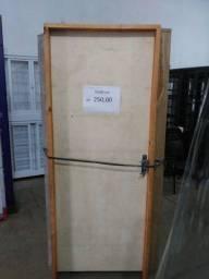 Título do anúncio: Porta de Madeira p/ Pintura 70/80cm