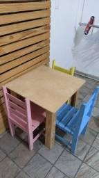 Título do anúncio: Mesinha com Cadeiras infantis
