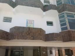 Apartamento amplo em Jardim Armação