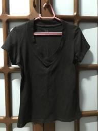Camisa preta feminina Hering