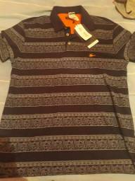 9d0db363bd Vendor duas blusa da sallo tamanho M nunca foi usado