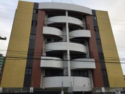 Apt. de 90 m², 3 quartos, sendo 1 suíte + varanda, no Stella Maris, só 200 mil!!