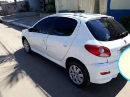 Vendo este carro com parcelas - 2013