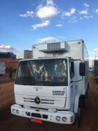 Caminhão toco mercedes 1215c - 2002