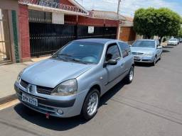 Clio authentic 1.0 2005