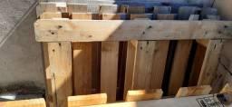 Vendo 3 palite de madeira por 25