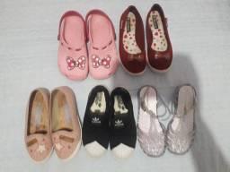 Vendo calçados infantil feminino