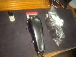 Máquina de corte icon da whall em ótimas condições motor v9000 com a lâmina da Magic ...