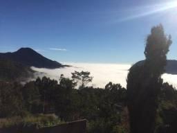 Casa no bairro Cascatinha com uma linda vista para as montanhas do nascer ao pôr do sol