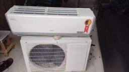 Vendo Ar condicionado Hitachi 12 mil btus, de Cobre 780 Reas