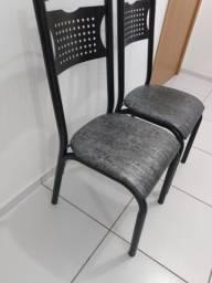 4 Cadeiras metálicas pretas