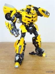 Boneco Bumblebee Transformers Grande