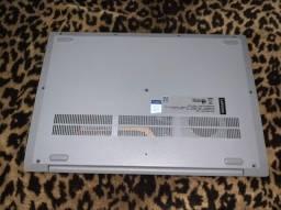 Notebook Lenovo conservado, apenas 4 meses de uso, ainda tem 3 meses de garantia.