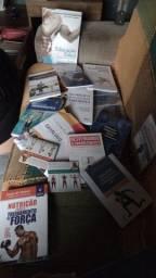 Kit de livros de Educação física.