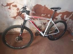 Bicicleta aro 29 (PREÇO DE OPORTUNIDADE)