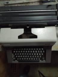 Antiguidades Máquina de escrever em perfeito estado