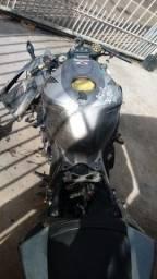 Sucata de moto para retirada de peças CBR 1000rr 2006