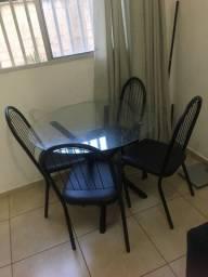 Mesa de 4 cadeira sem nenhuma avaria