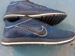 Tênis Nike n. 42