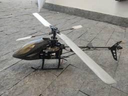 Helicóptero de manobra