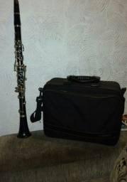 Clarinete Yamaha ycl-255