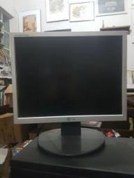 Título do anúncio: Monitor lg 15 polegadas