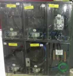 Caixa 4 medidores de luz enel